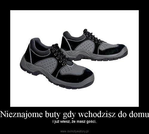 Nieznajome buty gdy wchodzisz do domu